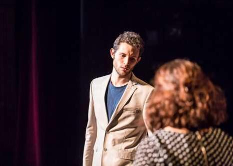 Master class théâtre élève sur scène
